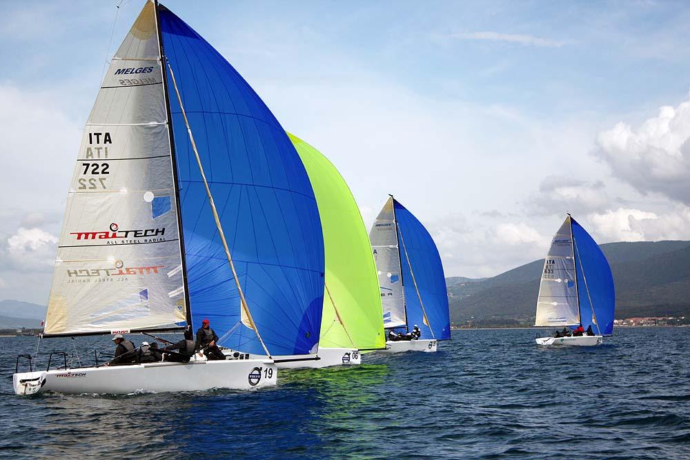 Grande vela a marina di scarlino in palio il tricolore for Mondo convenienza scarlino