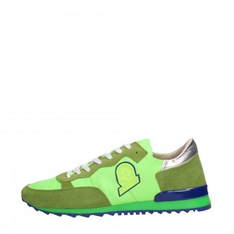 e29e660880 Invicta presenta la collezione di abbigliamento e scarpe uomo e ...