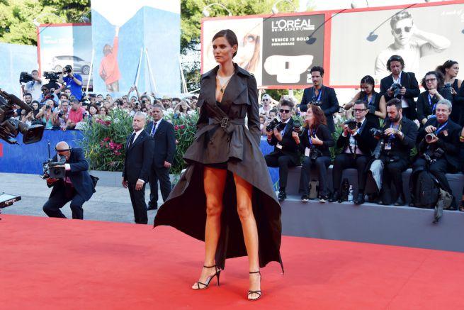 604e3ce12e51 Ovs, debutto sul red carpet di Venezia con Bianca Balti - Cronaca ...