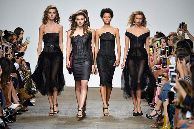 free shipping c378f 13290 London Fashion Week: stop alle pellicce - Cronaca Diretta