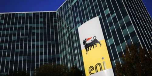 Eni: trimestre in calo del 44%