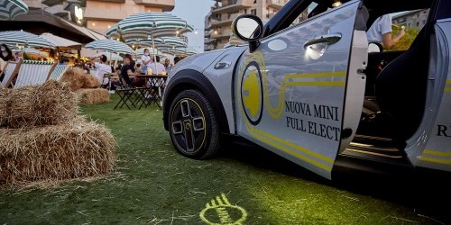 MINI Full Electric protagonista di una serata dell'estate meneghina grazie a MINI Milano
